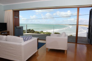 White Sails - Accommodation Bookings