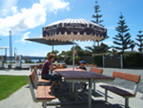 Hillcrest Caravan Park - Accommodation Bookings