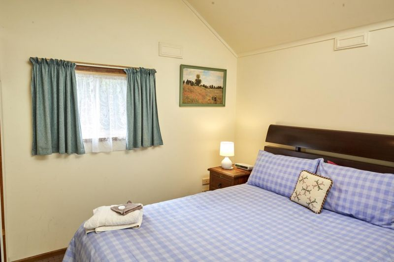 Bristol House Accommodation - Accommodation Bookings
