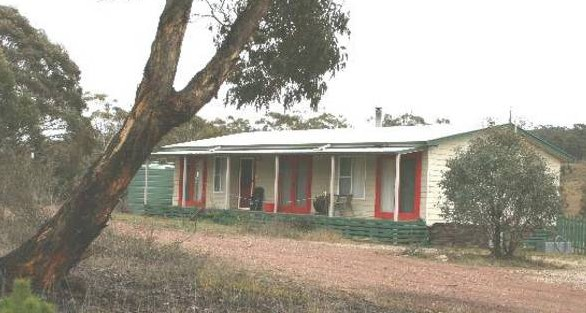 Christmas Tree Cottage - Accommodation Bookings