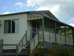 Halls Country Cottages - Accommodation Bookings