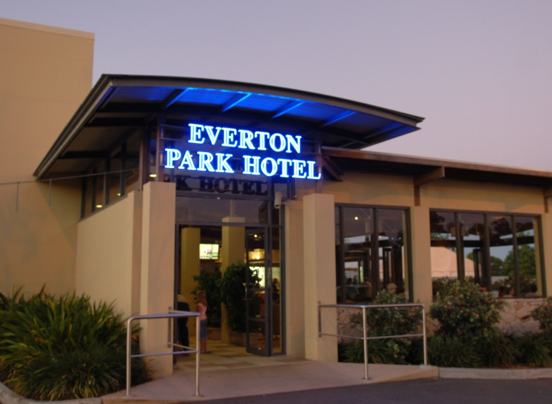 Everton Park Hotel - Accommodation Bookings