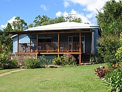 Blue House Family Accommodation - Accommodation Bookings