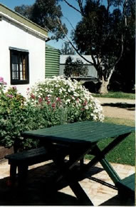 Dunalan Host Farm Cottage - Accommodation Bookings