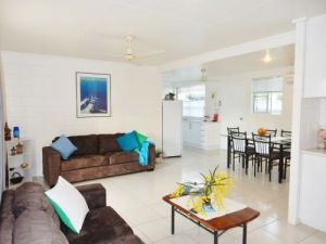 Lucinda Holiday Rentals  - Accommodation Bookings