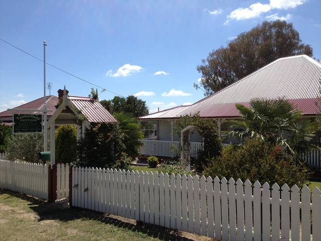 Tenterfield Luxury Historic c1895 Cottage - Accommodation Bookings