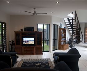 Dolphin Beach House - Accommodation Bookings