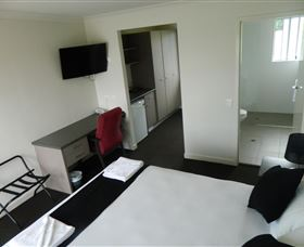 Dooleys Tavern and Motel Springsure - Accommodation Bookings