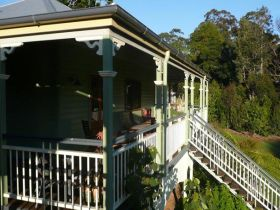 The Sanctuary Springbrook. Guest House / Cottage - Accommodation Bookings