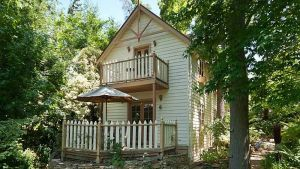 Aldgate Creek Cottage Bed and Breakfast - Accommodation Bookings