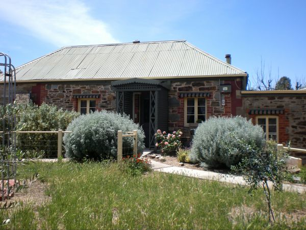 Olive Grove Retreat - Accommodation Bookings