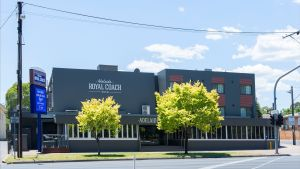 Adelaide Royal Coach - Accommodation Bookings