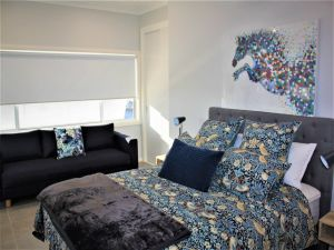 Coolah Shorts - Self Contained Apartments - Accommodation Bookings