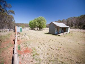 Brackens Hut - Accommodation Bookings