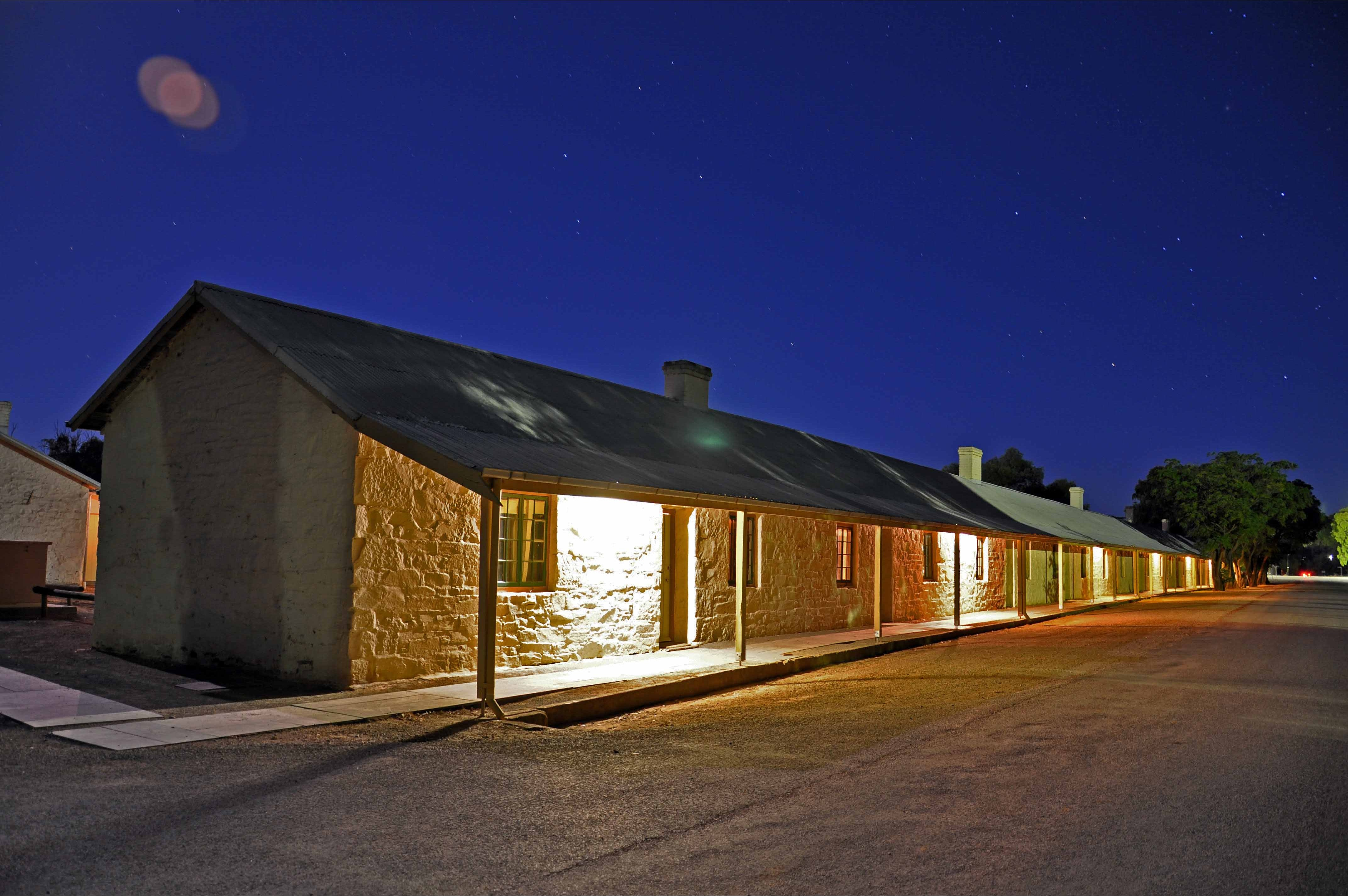 Paxton Square Cottages - Accommodation Bookings