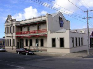 Mitchell River Tavern - Accommodation Bookings