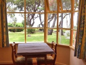 Anchlia Waterfront Cottage - Accommodation Bookings