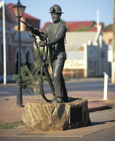 Miners Monument - Accommodation Bookings