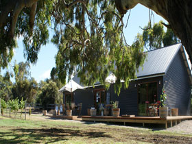 No. 58 Cellar Door  Gallery - Accommodation Bookings