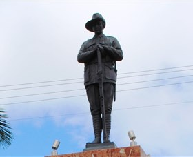 Charters Towers Memorial Cenotaph - Accommodation Bookings