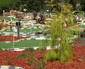 18 Hole Mini Golf - Club Husky - Accommodation Bookings