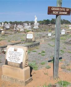 Blackall Cemetery - Accommodation Bookings