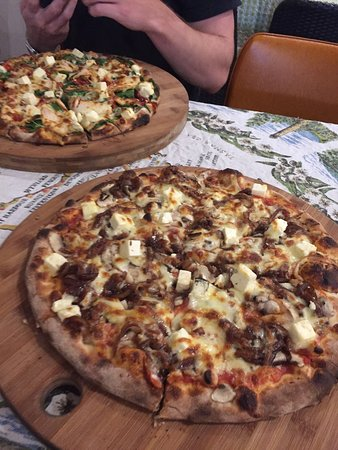 Earth Oven Wood Fired Pizza - Accommodation Bookings