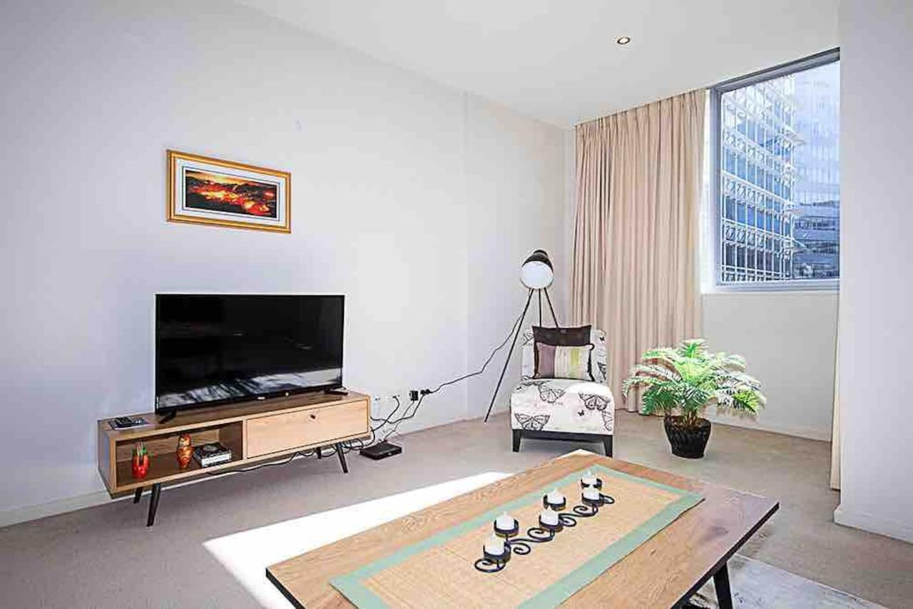 Spacious 1BR Stylish New Acton Apartment Parking - Accommodation Bookings