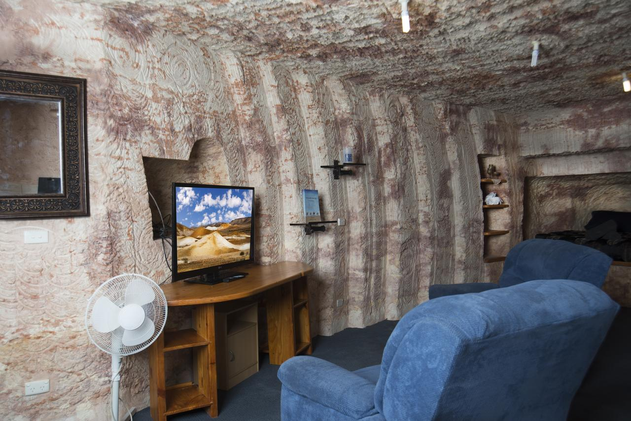 Ali's Underground - Accommodation Bookings