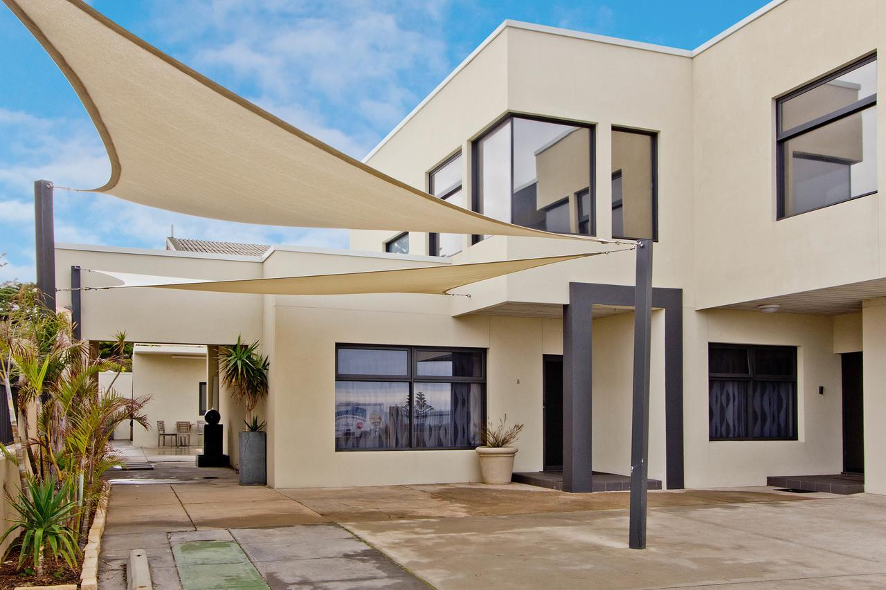 Atlantic West Beach Apartments - Accommodation Bookings