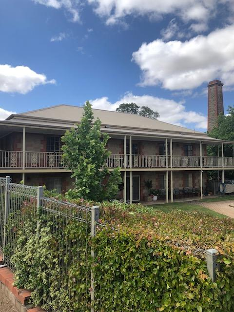 Clare Central - Accommodation Bookings