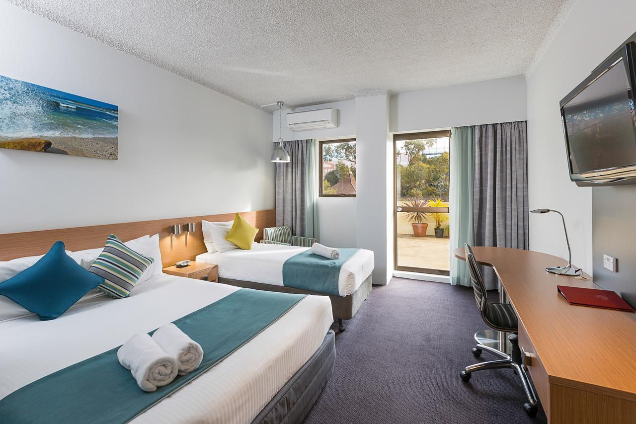 Metro Hotel Miranda - Accommodation Bookings