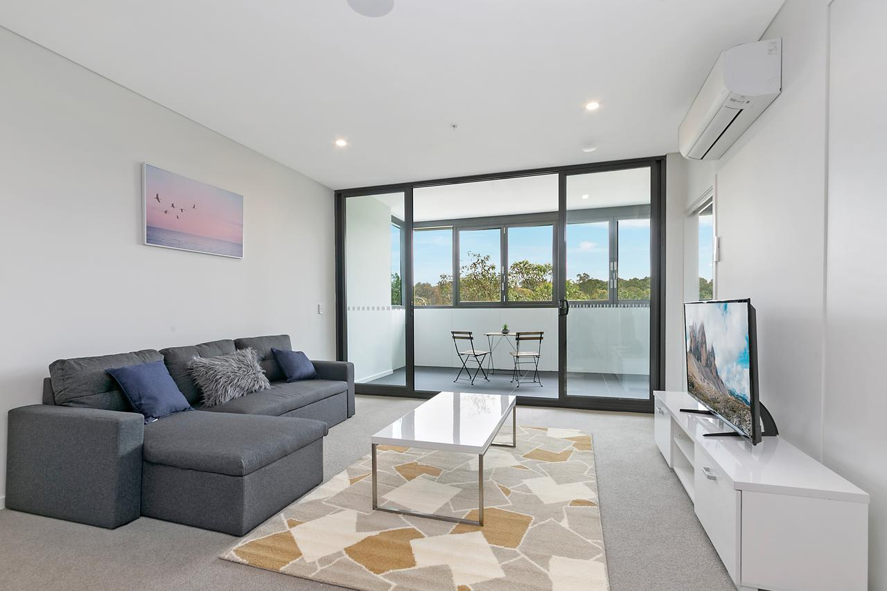 Stylish and Neat two bed apartment in Wentworth Point - Accommodation Bookings