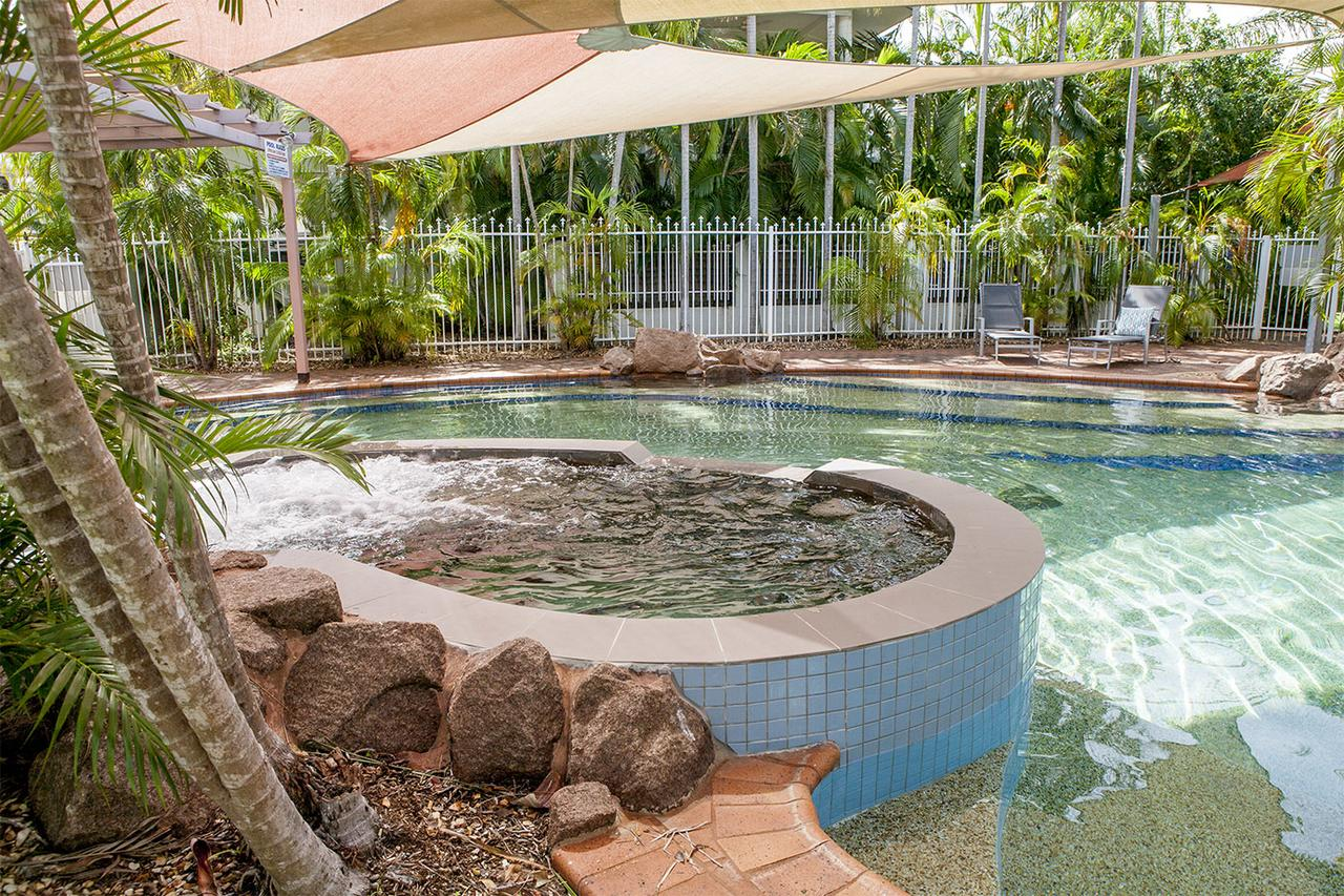 Nightcliff Foreshore Getaway - McKay Gardens - Accommodation Bookings