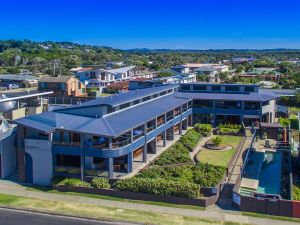 Lennox Holiday Apartments - Accommodation Bookings