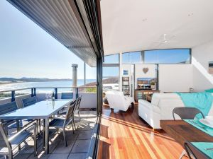 One Mile Cl Townhouse 22 26 The Deckhouse - Accommodation Bookings