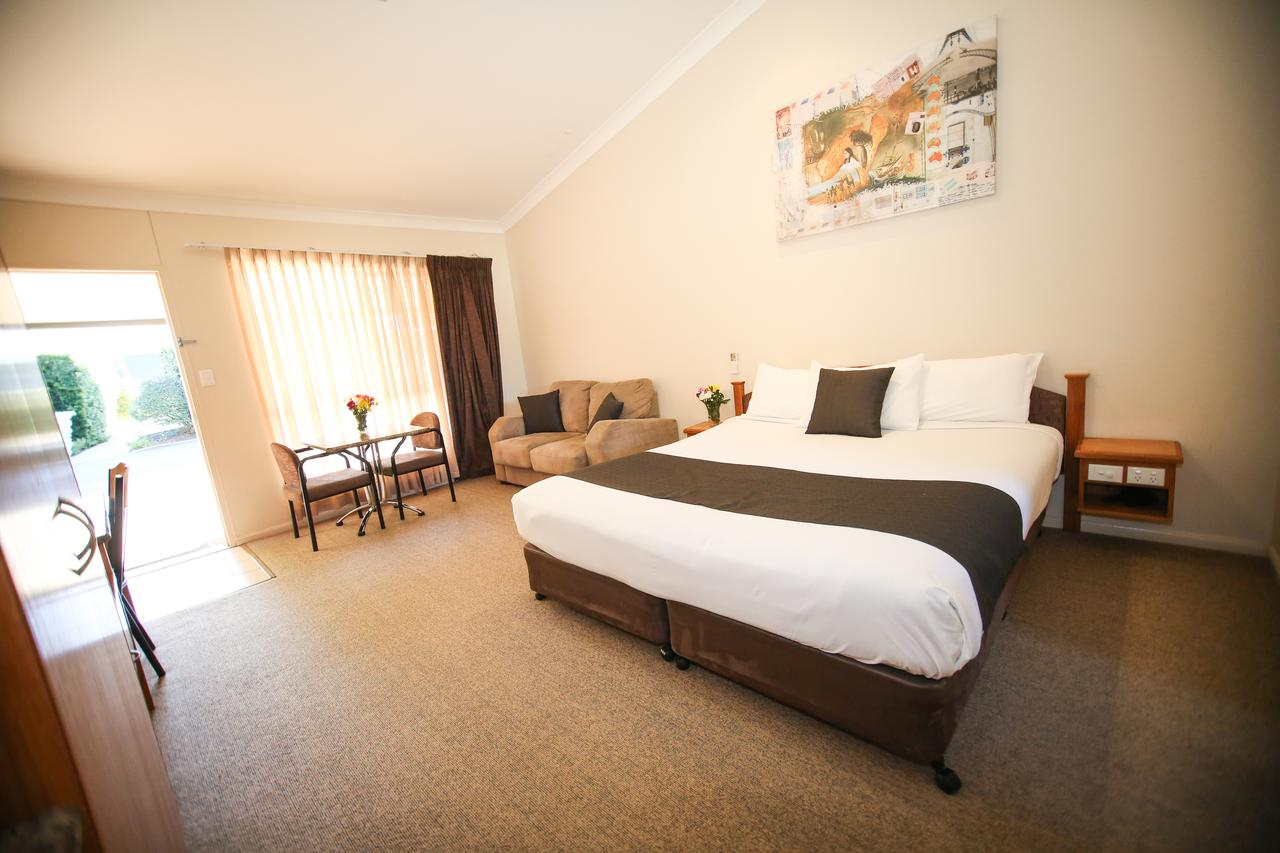 Roma Explorers Inn - Accommodation Bookings