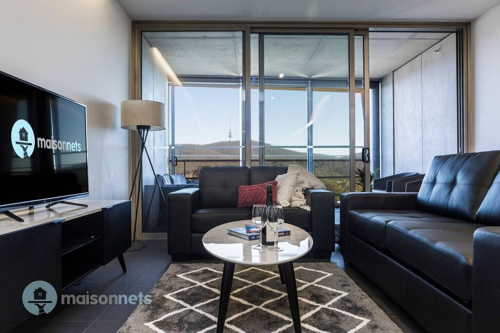 1 Bedroom Apt With Parking Walk to ANU - Accommodation Bookings