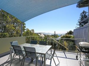 Angourie Blue 1 - Great Ocean Views - Surfing beaches - Accommodation Bookings